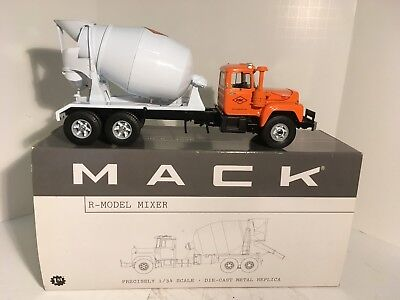 2002 First Gear Mack R-Model Mixer 1/34 Scale RMC 10-2870