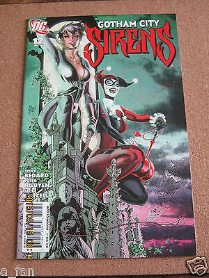 Gotham City Sirens # 12 July 2010 DC Harley Quinn Catwoman Poison Ivy.