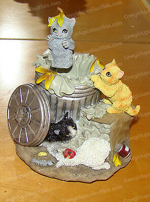 Garbage Can Cats, Animated (San Francisco Music Box, 49425) Whistle Happy Tune