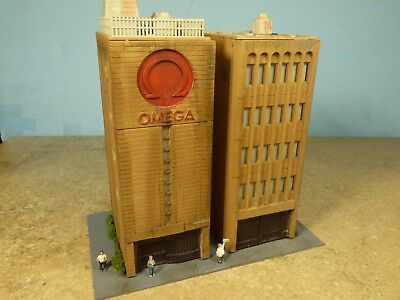 N Scale HOTEL & CONVENTION CENTER   (weathered & Detailed)