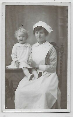 Social History - STUNNING BEAUTIFUL NURSE WITH A LITTLE GIRL IN THE STUDIO 1919