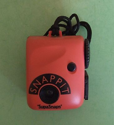 SUPASNAPS  SNAPPIT CAMERA Red. - 126 Film - 1980s..