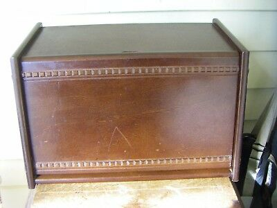 Very Nice Country Kitchen Wooden Bread Box