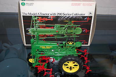 Ertl Precision Series #5633 1/16 Deere Model A W/ 290 Cultivator In Box Awesome