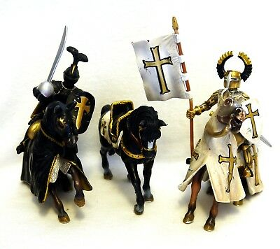 Collection of Schleich & Papo Knights, Horses & Foot Soldiers - Good Condition