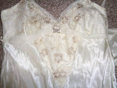 Flora Womens Intimates Long Nightgown & Robe Lingerie Satin Wedding Size L/xl