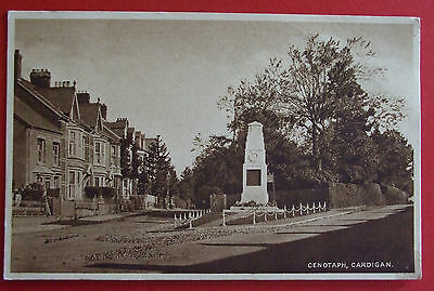 Postcard POSTED 1924 CENOTAPH CARDIGAN CARDIGANSHIRE WALES