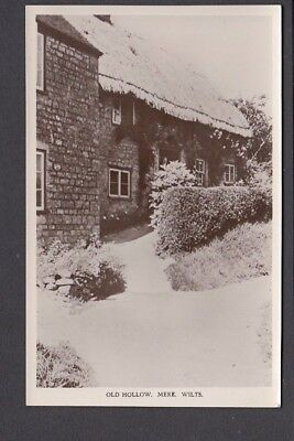 Wiltshire - Mere Old Hollow in snow RP - Pub J.Walton & Co