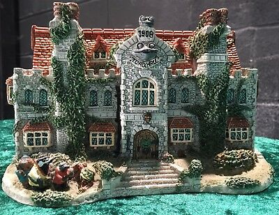 Collectors Edition Danbury Mint Rare Toad Hall Country Cottage House