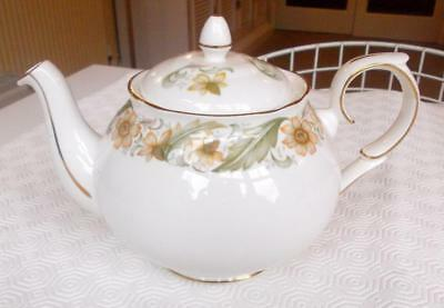 Vintage Duchess Bone China Greensleeves Two Pint Teapot
