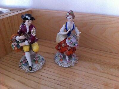 PAIR of SITZENDORF FIGURES FIGURINES - flower seller and girl - nice condition