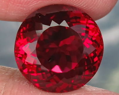 A PAIR OF 6mm ROUND-FACET TOP-RED LAB RUBY GEMSTONES £1 NR!