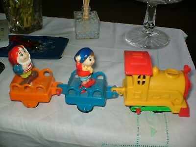 NODDY AND BIG EARS ON A CLOCKWORK 10ins LONG TRAIN TESTED,WORKS BUT LOST KEY.