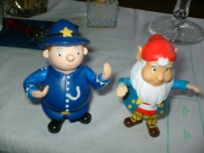 TWO 4ins TALL  PLASTIC COLLECTORS TOY ARE A WOBBLY PC.PLOD AND WOBBLY BIGEARS.