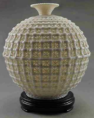 Collectible Decorated Handwork Dehua Porcelain Carve Hollowed Basket Big Vase