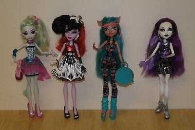 Monster High doll bundle dressed & shoes Isi Dawndancer Operetta Spectra Lagoona