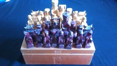 ANTIQUE / VINTAGE WOODEN CHESS PIECES - complete set with wooden box as seen