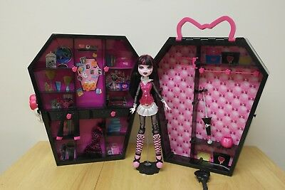 Monster High Draculaura doll & gothic coffin wardrobe carry case & accessories