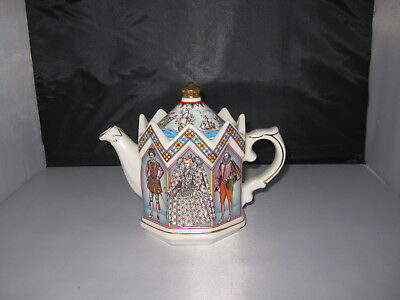 Sadler, Staffordshire Elizabeth 1 Queen Of England Tea Pot - No.4442