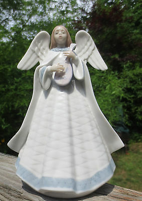 Lladro' ANGELIC MELODY ANGEL FIGURINE #05963 TREE TOPPER Lute Player Beautiful!