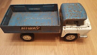 Vintage Triang hiway truck