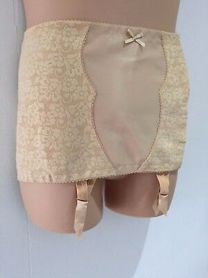 Vintage Nude Beige Floral Lace Hook & Eye Open Corset Girdle & Suspenders 18