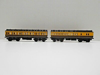 Triang, British, Oo Scale, Passenger Coach Set, Vintage