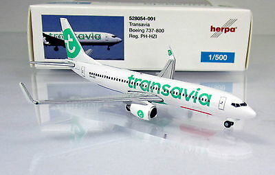 "Herpa Wings 528054-001  Transavia Boeing 737-800 Reg.: "" PH-HZI "" - Scale 1/500"