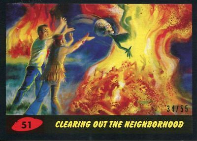 Mars Attacks The Revenge Black [55] Base Card #51 Clearing out the Neighborhood