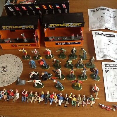 Vintage SCALEXTRIC pit stops - figures and accessories - With grandstand box