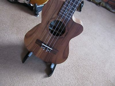 Display Only Tenor Electro Acoustic Ukulele,gig Bag In Built Tuner. Rrp £200