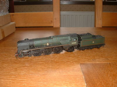 HORNBY SR MERCHANT NAVY CLASS 4-6-2 LOCO No 35020 BIBBY LINE in weathered Livery