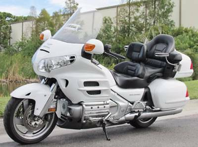 2005 Honda Gold Wing  2005 GOLD WING 30TH ANNIVERSARY EDITION ONE OWNER LOW MILES LOADED EXC.CONDITION
