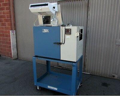 Tenney JR TJR Compact Environmental Temperature Test Chamber -70°C to +200°C