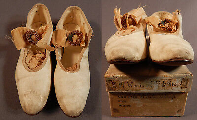 Victorian Vintage E.H. Walton & Son Girls White Kid Leather Mary Janes Shoes Box