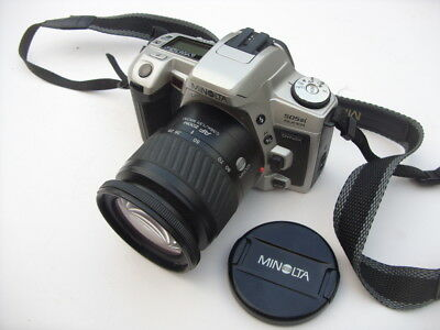 Minolta Dynax 505 si Super 35 mm SLR with 28 - 80 mm Zoom Lens & Strap