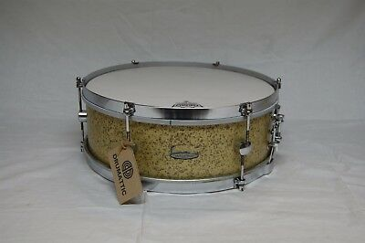 Gigster 14″ x 5″ Snare Drum in Gold Sparkle - 1960s