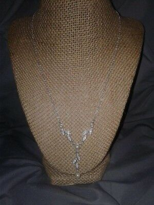 Pretty Marked Sag Faux Pearl & Clear Rhinestone Leaves Dangle Necklace