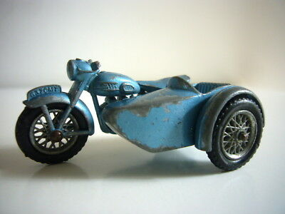Lesney Matchbox: Triumph T110 motorbike & sidecar, good nick, made in England