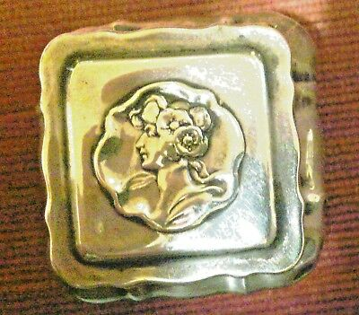 EMBOSSED YOUNG LADIES HEAD ON SOLID SILVER BOX, BIRMINGHAM HM Silver 1900