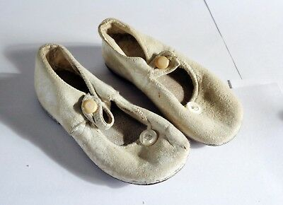 ANTIQUE/VINTAGE 1920s BABY GIRL'S SHOES IN  WHITE LEATHER: POSTAGE DISCOUNT