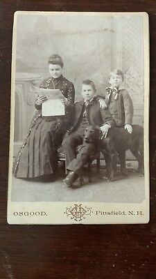 Family portrait! Dog! Reading Newspaper! Original Cabinet photo! New Hampshire