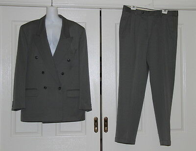 Mens green pure new wool 2 piece suit made by HC Studio - Chest 107 Waist 94