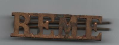REME Badge/ Royal Electrical Mechanical Engineers Shoulder Title Badge (BRASS)
