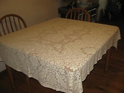 "Lovely vintage lace tabelcloth 50""x 70"""