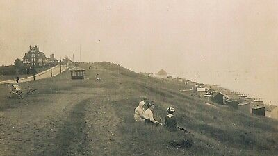 Tankerton-On-Sea - The Cliffs, Beach Huts Etc. - Whitstable -  Real Photo - 1917