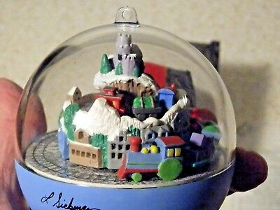 1992 Hallmark Continental Express Ornament And Light & Motion Tested 2 Trains