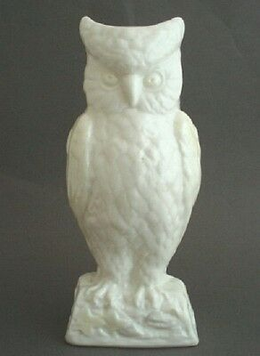 Belleek Giftware Cream OWL Vase #0679 Green Mark