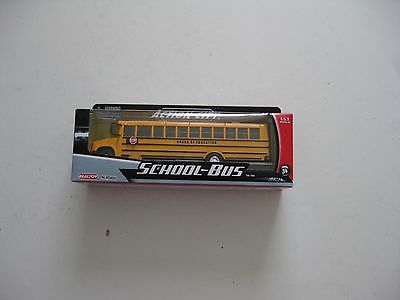 School Bus Yellow 1/53- O scale by Realtoy