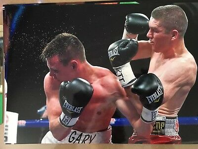 Un signed 12x8 photograph of boxer Liam Smith: former world champion.